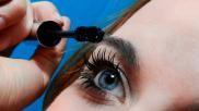 Hoe kun je mascara opdoen zonder dat het klontert