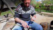 Hoe kun je een takeling maken om iets vast te zetten in hout Bijv voor scouting