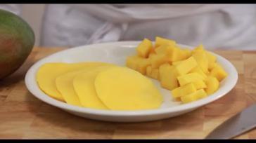 Hoe kun je gemakkelijk een mango snijden
