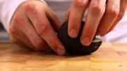 Hoe kun je gemakkelijk een avocado snijden