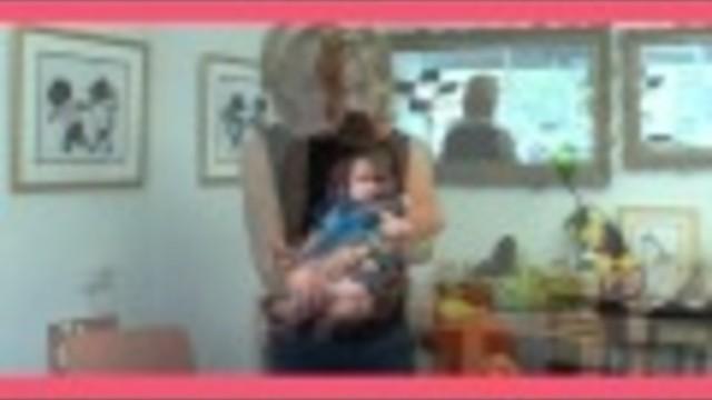 Hoe moet je een baby oppakken? En hoe kun je een baby dragen?