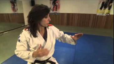 Wat kun je doen om jezelf te verdedigen op straat Basiscursus zelfverdediging