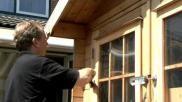 Hoe moet je een houten tuinhuisje beitsen