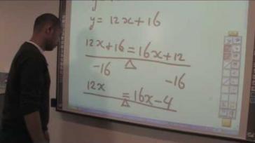 Hoe kun je vergelijkingen oplossen snijpunt berekenen volgens de balansmethode