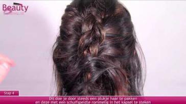 Hoe kun je een mooi feestelijk kapsel maken van halflang haar