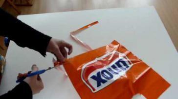 Hoe kun je plastic garen maken van plastic tassen Enkele plastic draad