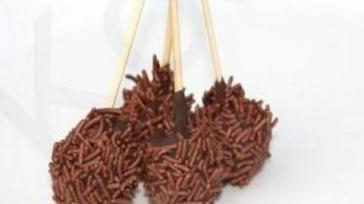Hoe kun je een traktatie maken van marsepein en chocolade hagelslag