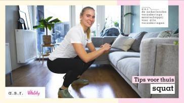 Hoe kun je de beenspieren en billen trainen met squatten
