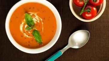 Hoe kun je zelf verse tomatensoep met mascarpone maken