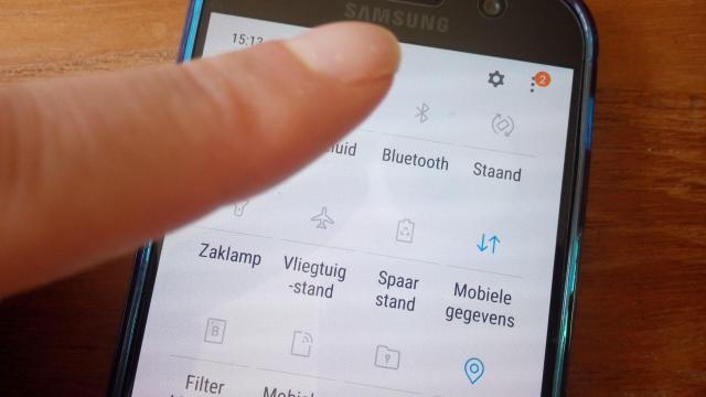 Hoe kun je op je Samsung instellingen wijzigen voor wifi, bluetooth etc. via het sleepmenu?