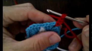 Hoe kun je een kleurige granny square babydeken haken