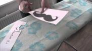 Hoe kun je zelf een hemdje bedrukken met een moustache of andere print